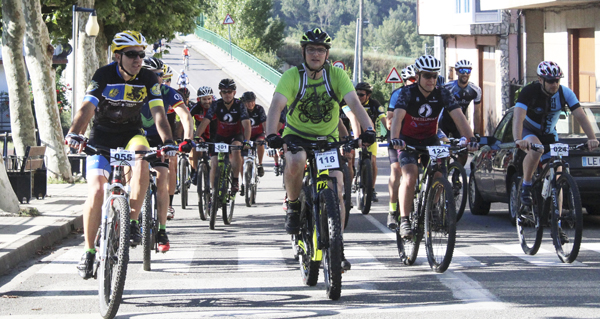 Photo of Preto de 150 ciclistas percorren A Rúa na VII Ruta BTT Jabalíes