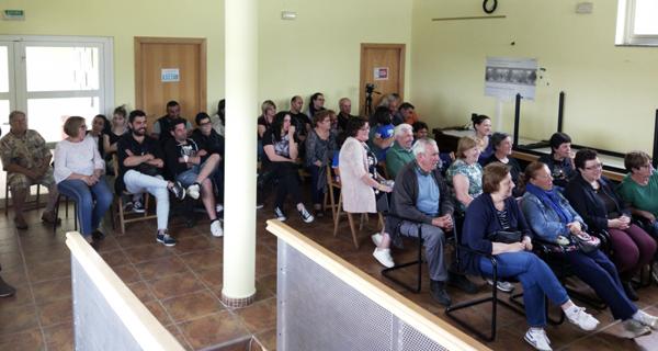 """Photo of O grupo de teatro """"Augas do Sil"""" enche o Centro Social de San Xoán de Río"""