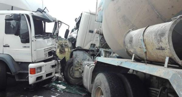 Photo of Un ferido nun choque entre dous camións en Parada de Sil
