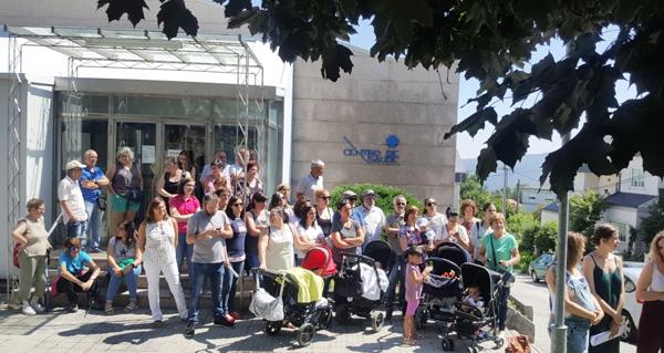 Photo of Protestas no Centro de Saúde de Trives pola supresión do servizo de Pediatría