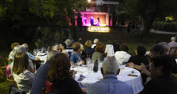 Photo of Maridaxe perfecta entre godello, jazz e paisaxe vitivinícola en Xagoaza (O Barco)