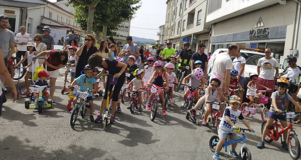 Photo of Unhas 150 persoas participan no XXVIII Día da Bici, na Pobra de Trives