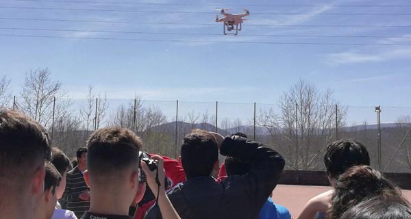 Photo of Taller infantil para aprender a montar e pilotar un dron, no Barco