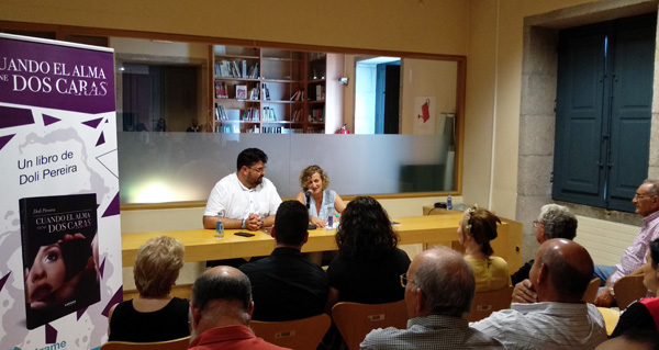 Photo of Doli Pereira presenta a súa primeira novela na Biblioteca de Verín