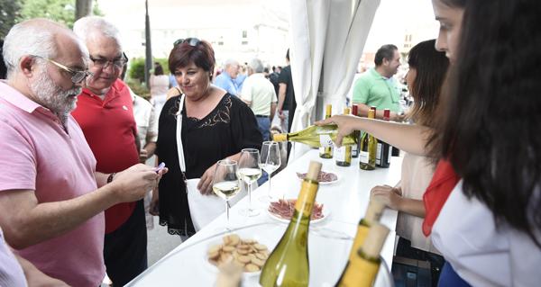 Photo of A XIII Feira do Viño de Monterrei abre as súas portas