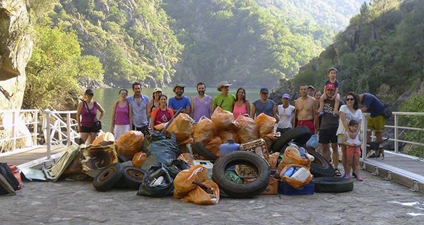 """Photo of Nova xornada de pesca do """"peixe lixo"""" no Sil dende Os Chancís (Sober)"""