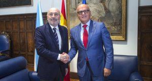 Reunión do delegado do Goberno en Galicia co presidente da Deputación
