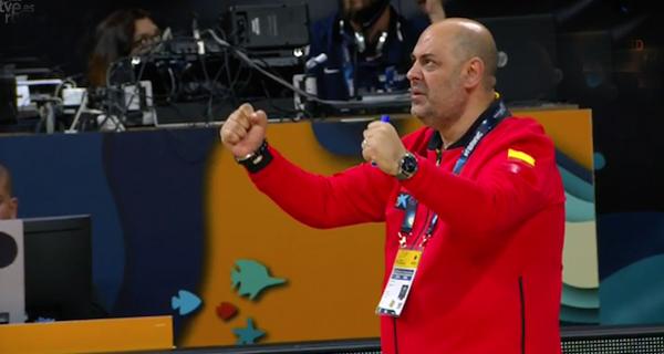 Photo of A selección do valdeorrés Lucas Mondelo conquista o bronce no mundial de básket feminino