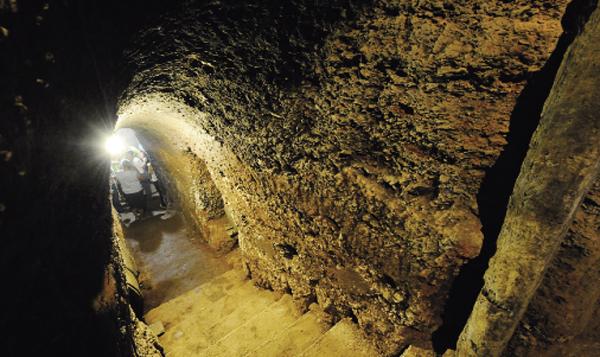 Photo of Xornalistas especializados en viño de diferentes partes do mundo visitarán unha cova valdeorresa