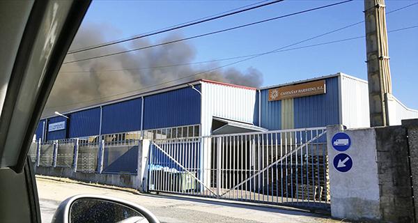 Photo of Incendio dunha nave industrial do Barco