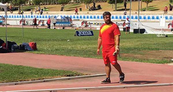 Photo of Javier Cid (Adas), oitavo en martelo no mundial máster de atletismo