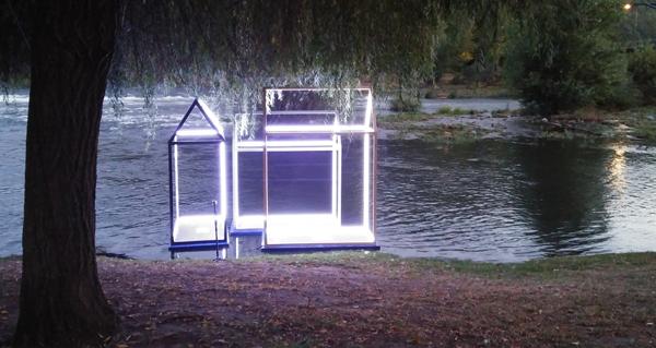 Photo of A instalación artística danada a pasada fin de semana volve a acender as augas do Sil no Barco