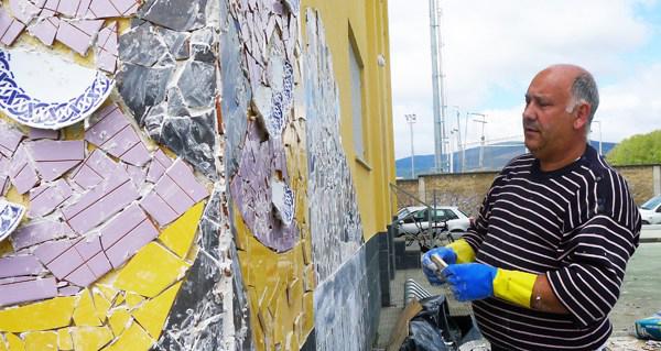 Photo of Un mosaico para o Sil, da man de Chere e aberto a veciños e visitantes do Barco