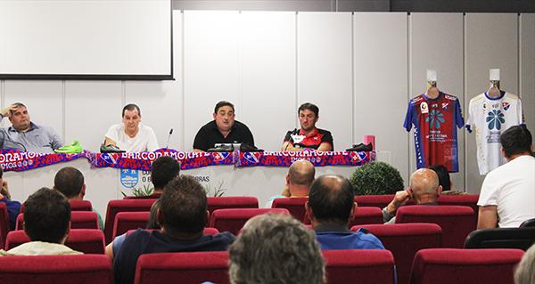 Photo of Unha trintena de socios asisten á asemblea xeral do C.D. Barco