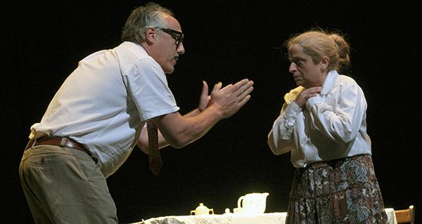 """Photo of Os actores valdeorreses conquistan ao público coa representación de """"En Familia"""""""