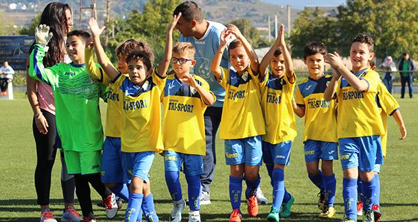 Photo of Intensa e soleada xornada de fútbol no campo do Aguillón