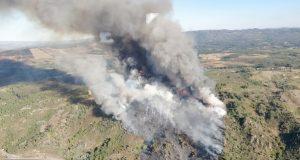 Incendio forestal en Ábedes (Verín), moi preto da A-52