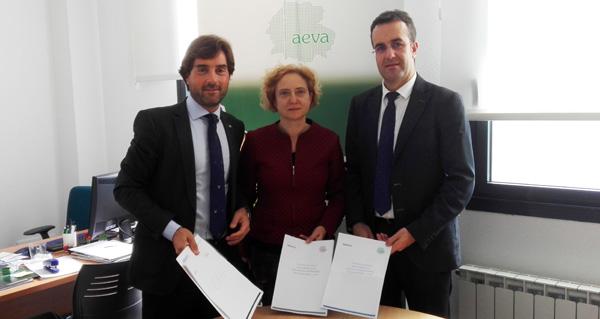 Photo of AEVA renova o seu convenio de colaboración con Abanca