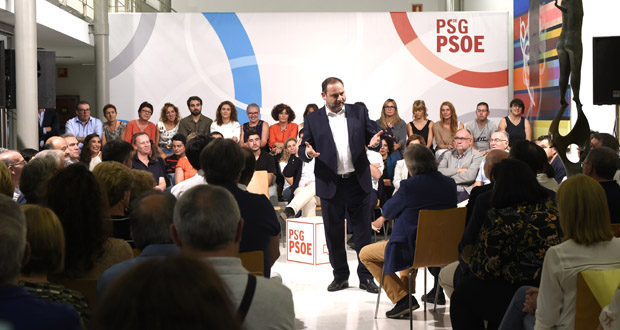 Photo of Encontro coa cidadanía en Ourense do ministro de Fomento e do secretario xeral dos socialistas,José Luis Ábalos