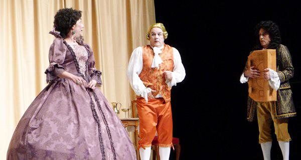 """Photo of """"O Xogo de Versalles"""" de Gargallada Teatro, na XI Mostra de Teatro Afeccionado Terras do Orcellón"""