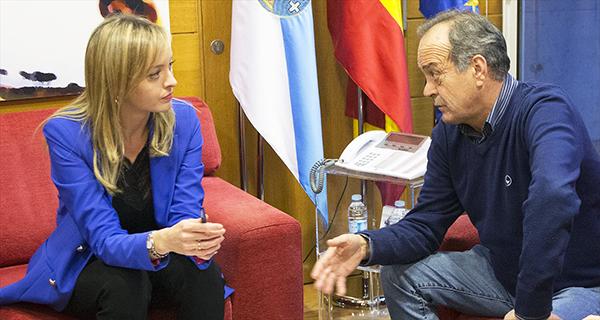 Photo of O alcalde do Carballiño reúnese coa conselleira de Política Social