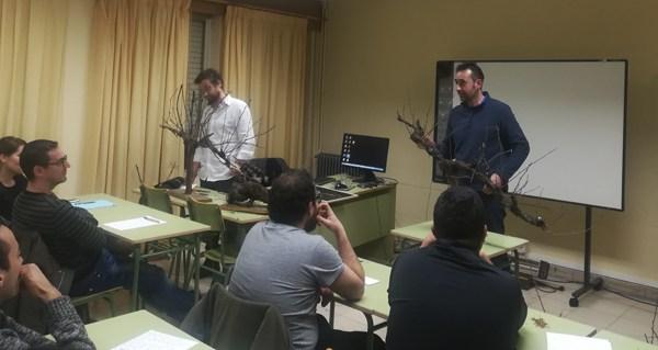 Photo of 30 persoas formaranse en Técnicas de Cultivo en Viticultura e Plantación de Viñedo, na UNED Valdeorras (A Rúa)
