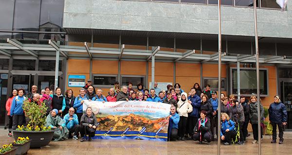 Photo of Os peregrinos do Bierzo e Valdeorras son recibidos polo alcalde do Barco