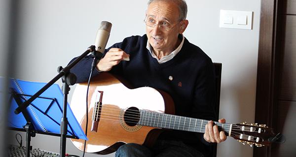 Photo of A voz de Anxo Rei pon o broche en Córgomo (Vilamartín) ás xornadas sobre Florencio