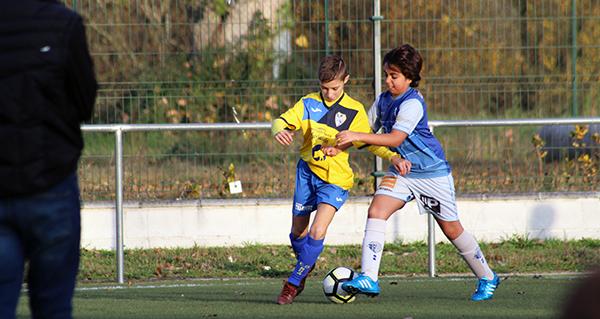 Photo of O C.D. Rúa presenta a todas as categorías do club, no campo do Aguillón