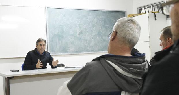 Photo of Reunión do presidente da Federación Galega de Atletismo con representantes do atletismo valdeorrés