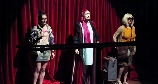 """Photo of O sorriso das perdedoras en """"Lo nunca visto"""", no Teatro Lauro Olmo do Barco"""