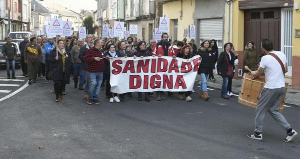 Photo of Centos de persoas maniféstanse en Rubiá para pedir dúas prazas fixas de médico no Centro de Saúde