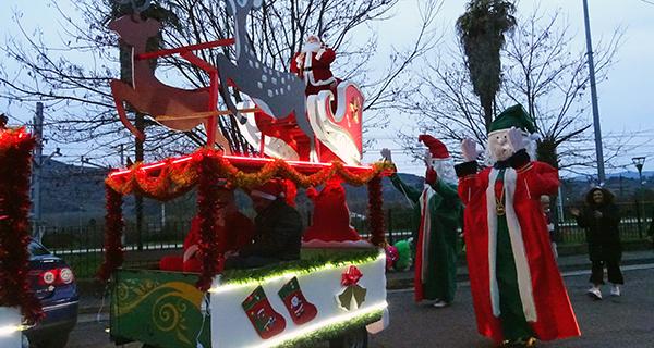 Photo of A comitiva de Papá Noel percorre A Rúa en Noiteboa