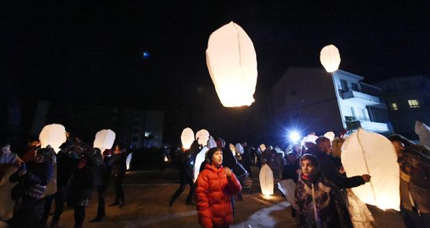 Photo of Os faroliños voadores solidarios iluminan o ceo de Trives
