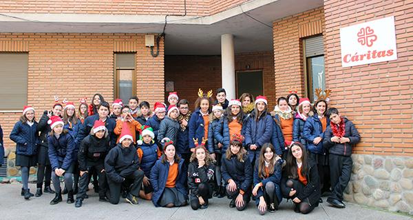 Photo of Caravana solidaria do Colexio Plurilingüe Divina Pastora a Cáritas