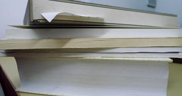 Photo of Solidariedade en forma de libro na Biblioteca de Trives neste Nadal
