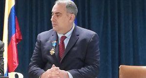 Luis Fernández, director durante 11 anos do IES Carlos Casares de Viana, recibe a Medalla ao Mérito Civil