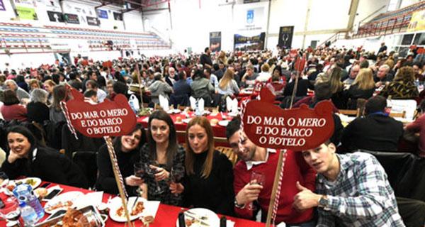 Photo of Preto de 1.400 persoas asisten ao xantar do Botelo no pavillón de Calabagueiros, no Barco