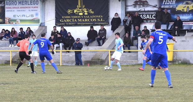 Photo of O Viana cae ante o Manchica no campo das Carrelas