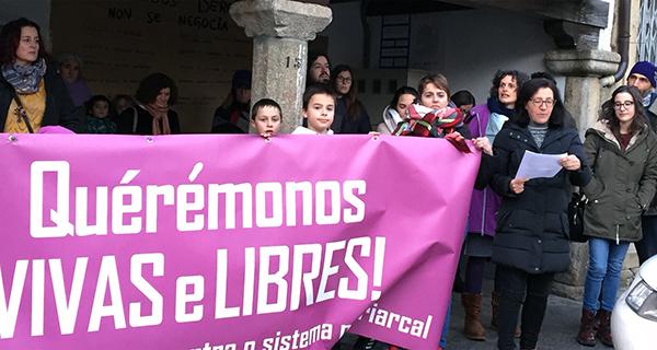 Photo of Concentración en Viana polos dereitos da muller e pola igualdade