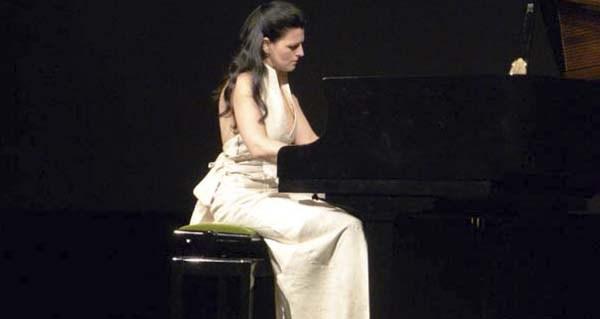 Photo of A pianista Sara Marianovich actuará este mércores no colexio Otero Pedrayo de Viloira (O Barco)