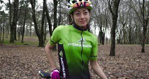 O Tres Lunas D.O. Valdeorras-Merida Bikes ficha á campiona de España elite XCUM, Susana Alonso
