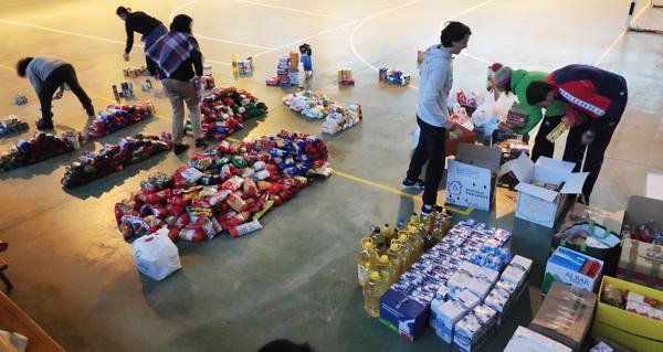 Photo of Dúas toneladas de solidariedade en forma de alimentos, nas Terras de Trives