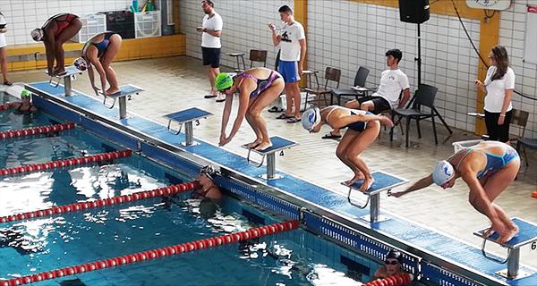 Photo of Os Escualos de Ourense, entre os participantes no campionato galego de natación máster de inverno