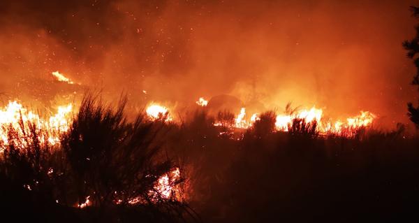 Photo of O incendio de Castromil (A Mezquita) leva queimadas máis de 60 hectáreas