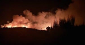 Extinguido o incendio forestal de Castromil (A Mezquita), tras queimar 161 hectáreas