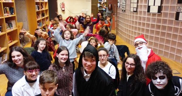 Photo of Entre contos e teatro, na fin do Nadal na Biblioteca de Verín