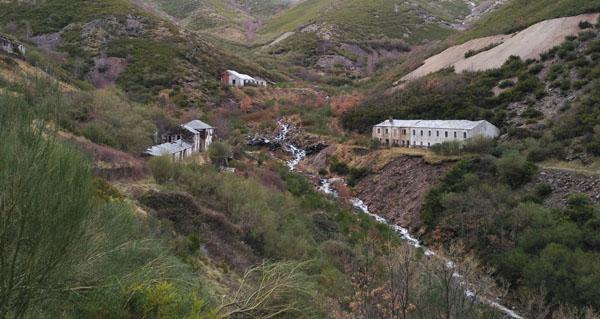Photo of Os investigadores de Sputnik Labrego volven a Casaio para documentar os restos da mina de volframio de Valborraz