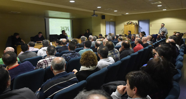 Photo of Numerosa asistencia na xornada divulgativa sobre silicose no Barco