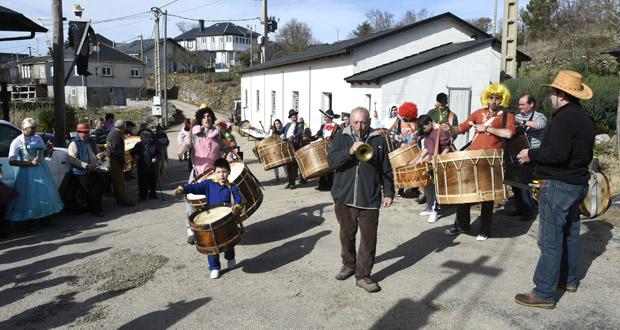 Photo of O Folión de Buxán celebra a súa ruta de adegas tocando e comendo por todo o pobo